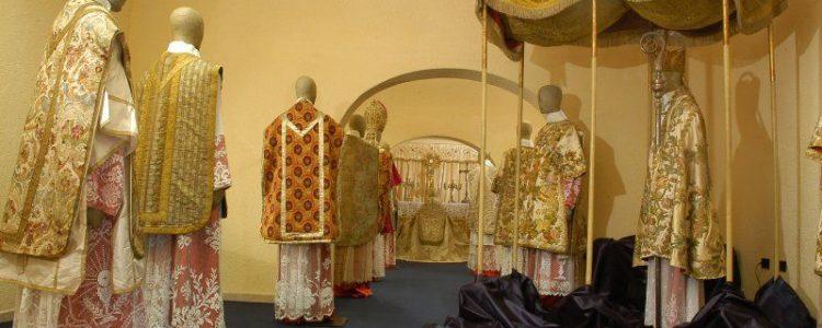 abiti da sacerdote